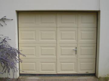 Portes de garage sectionnelles laterales et battantes - Porte de garage sectionnelle avec portillon hormann ...